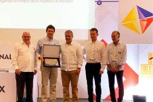 Analdex condecora a Unibán por sus 50 años de trayectoria